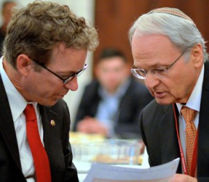 Senator Rand Paul(R–KY) speaks with ZOA President Morton Klein. Photo Credit: Richard Chaitt